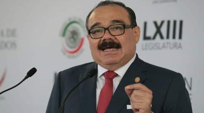 """Senador Jorge Carlos Ramirez, """"apoyando a Yucatán""""."""