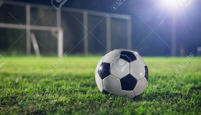 Tragedia en juego futbol, 1 muerto.