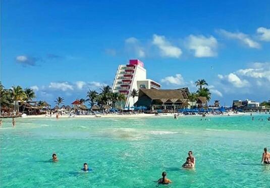 Autorizan en Cancun construction de un hotel rompiendo todo esquema ambiental.